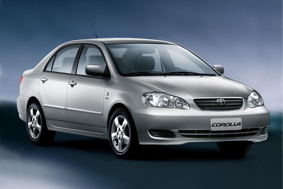 Toyota Corolla 9ª Geração 2003 – 2008.