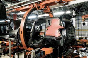 Linha de produção da Jeep.